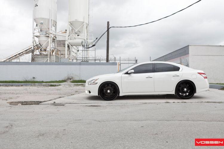 Nissan-Maxima wallpaper
