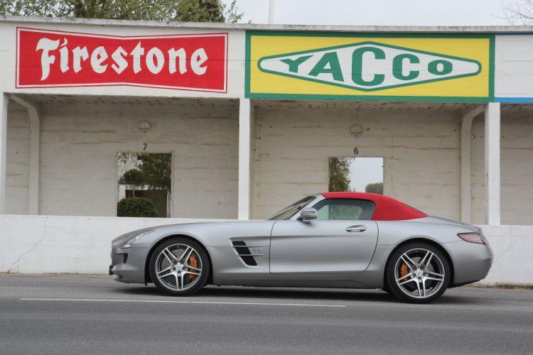 2012-Mercedes-SLS-Roadster wallpaper