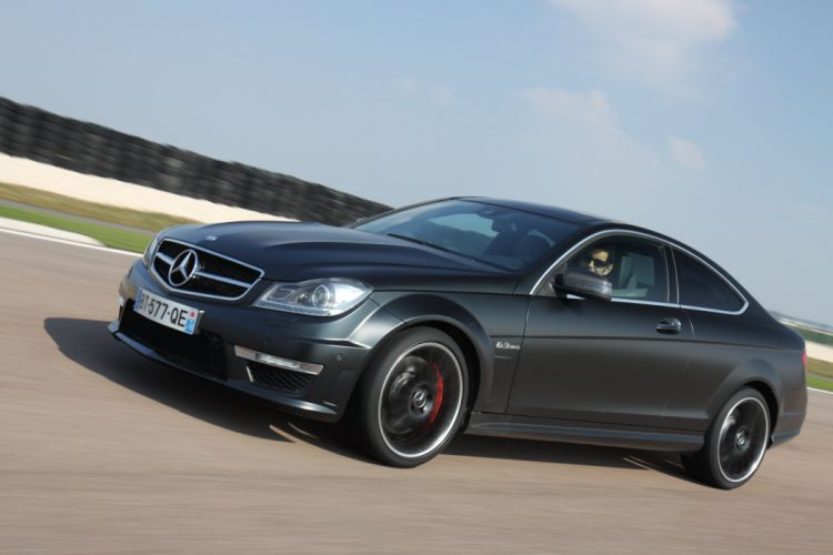 2012-Mercedes-C63-AMG-Coupe wallpaper