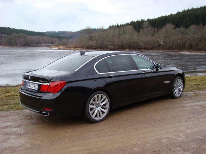 2012-BMW-750-Li-xDrive wallpaper