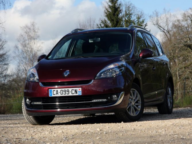 2012-Renault-Grand-Scenic-restyle wallpaper