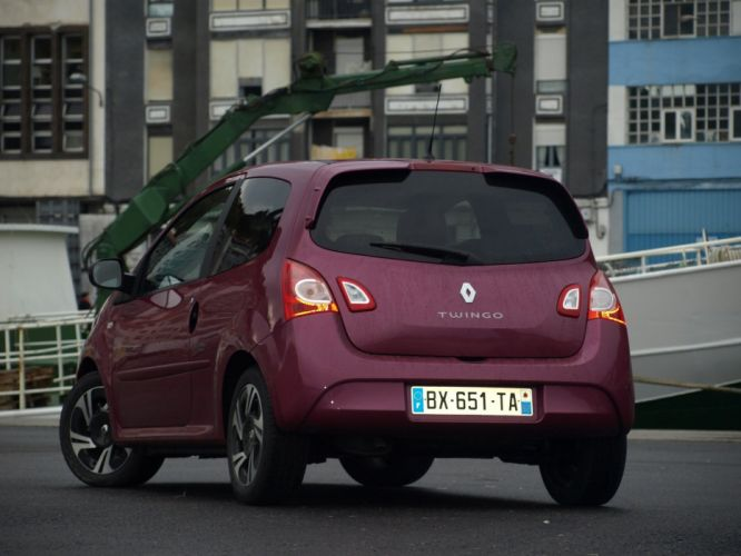 2011-Renault-Twingo-restylA wallpaper