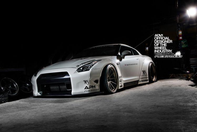 Nissan-GTR wallpaper