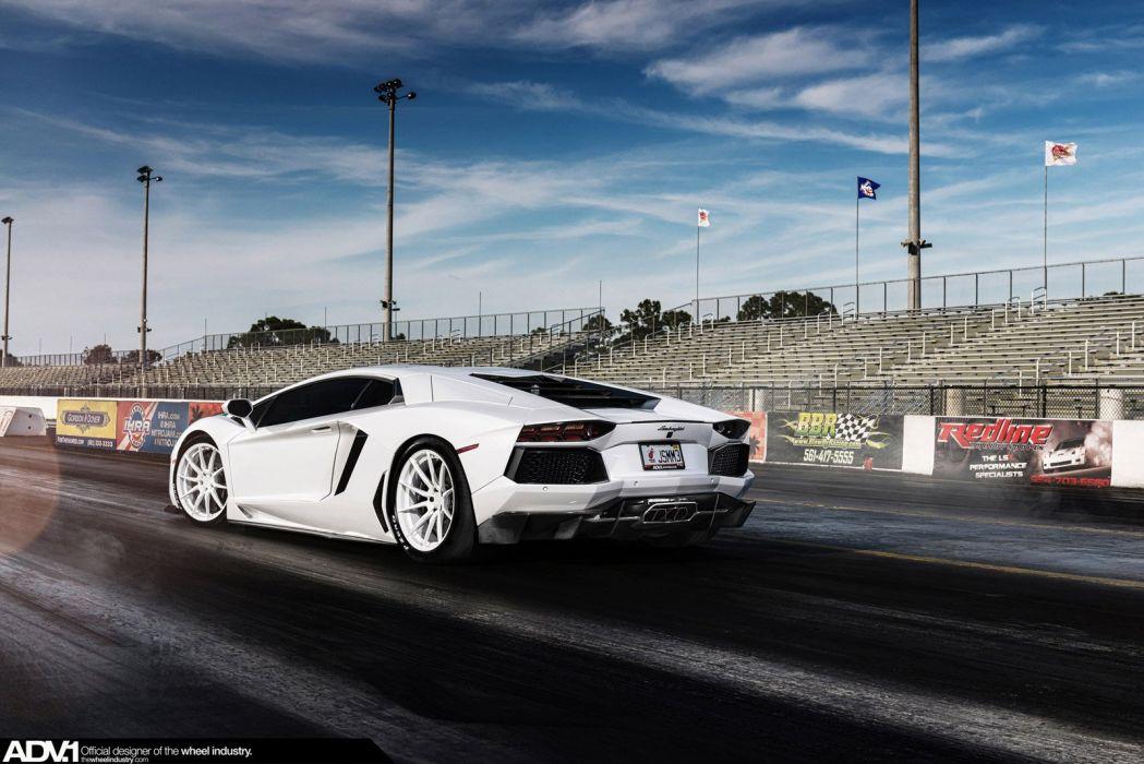 Lamborghini-Aventador wallpaper