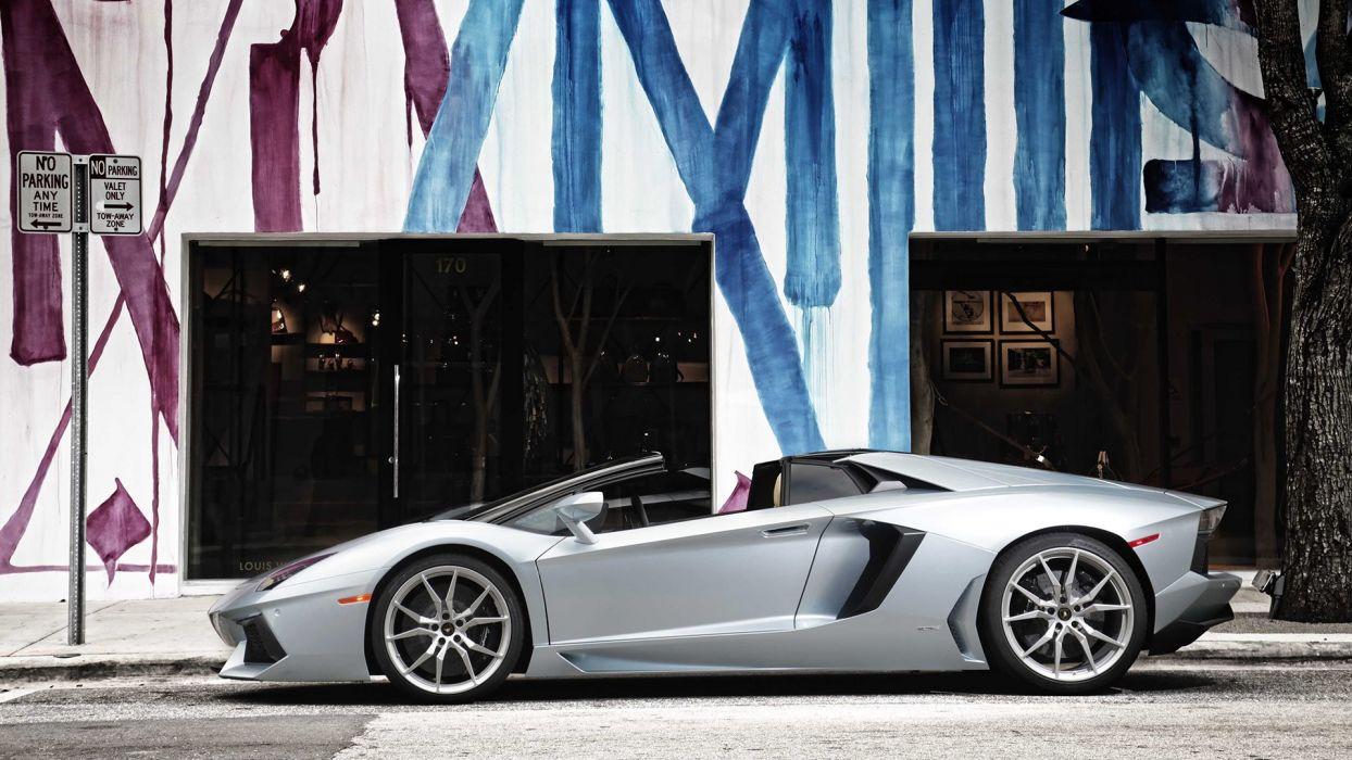 Lamborghini HuracAAn Aventador LP 700-4 ROADSTER wallpaper