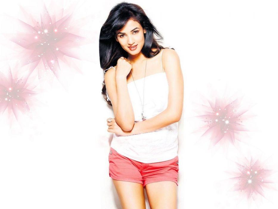 SONAL CHAUHAN bollywood actress model babe (10) wallpaper
