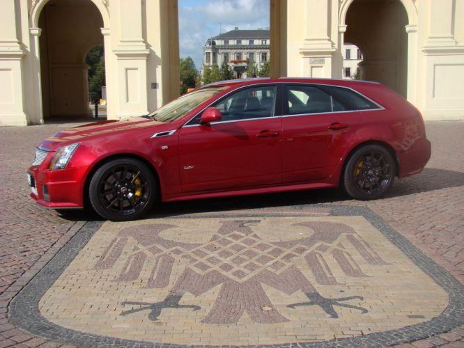 2011-Cadillac-CTS-V-Wagon wallpaper