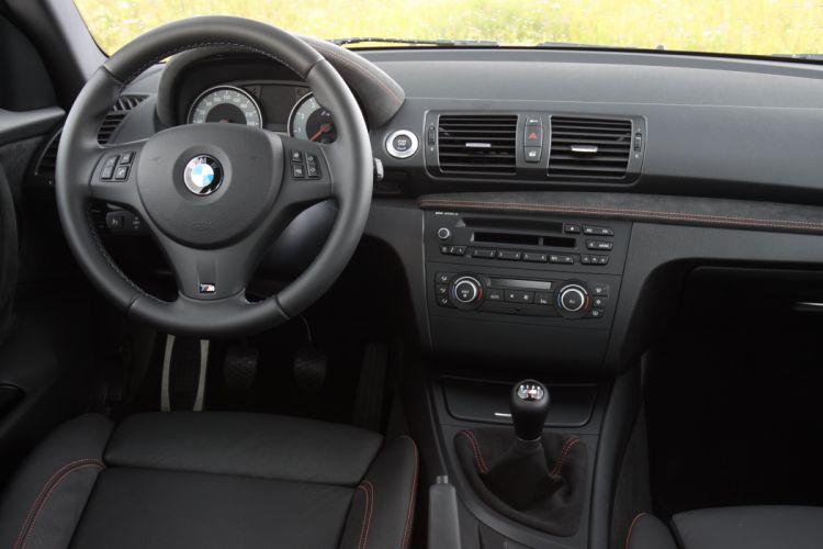 2011-BMW-Serie-1M wallpaper