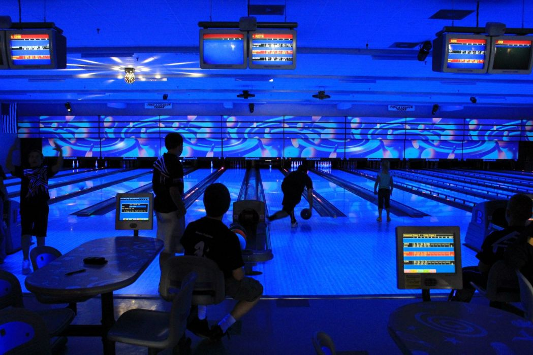 BOWLING ball game classic bowl sport sports (3) wallpaper