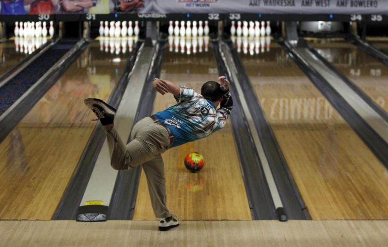 BOWLING ball game classic bowl sport sports (47) wallpaper
