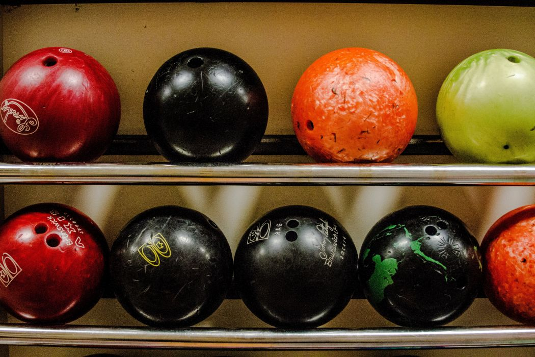 BOWLING ball game classic bowl sport sports (72) wallpaper