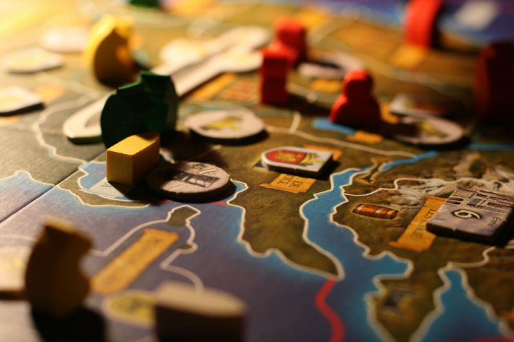 BOARD GAMES classic family game (8) wallpaper