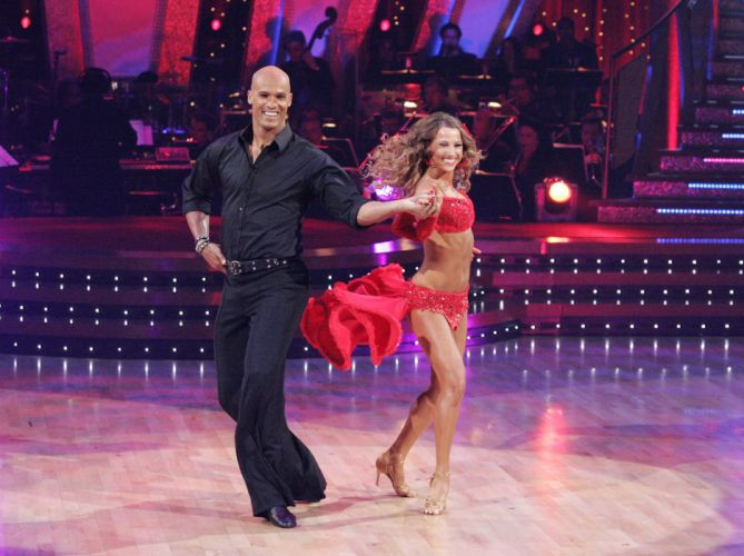 DANCING-WITH-THE-STARS family gameshow dance music stars dancing series competition (15) wallpaper
