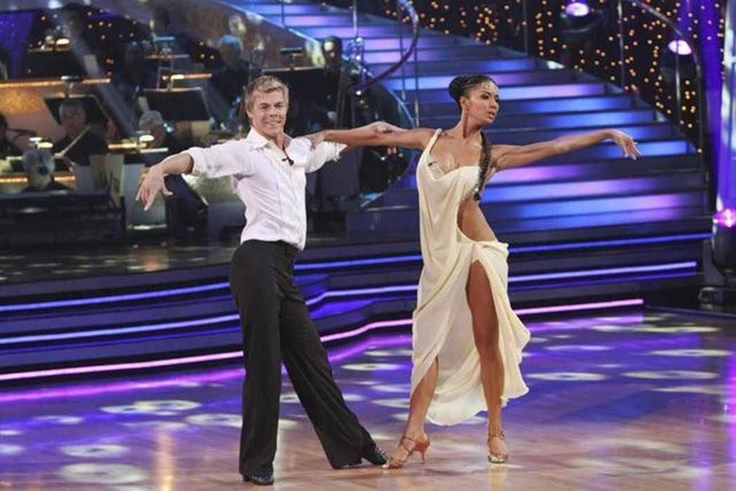 DANCING-WITH-THE-STARS family gameshow dance music stars dancing series competition (19) wallpaper