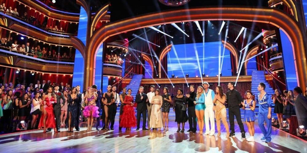 DANCING-WITH-THE-STARS family gameshow dance music stars dancing series competition (23) wallpaper