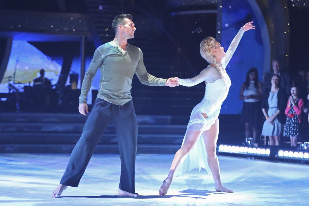 DANCING-WITH-THE-STARS family gameshow dance music stars dancing series competition (26) wallpaper