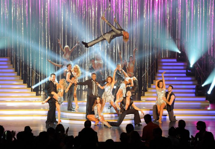 DANCING-WITH-THE-STARS family gameshow dance music stars dancing series competition (38) wallpaper