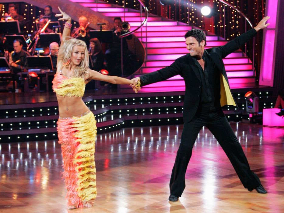 DANCING-WITH-THE-STARS family gameshow dance music stars dancing series competition (66) wallpaper
