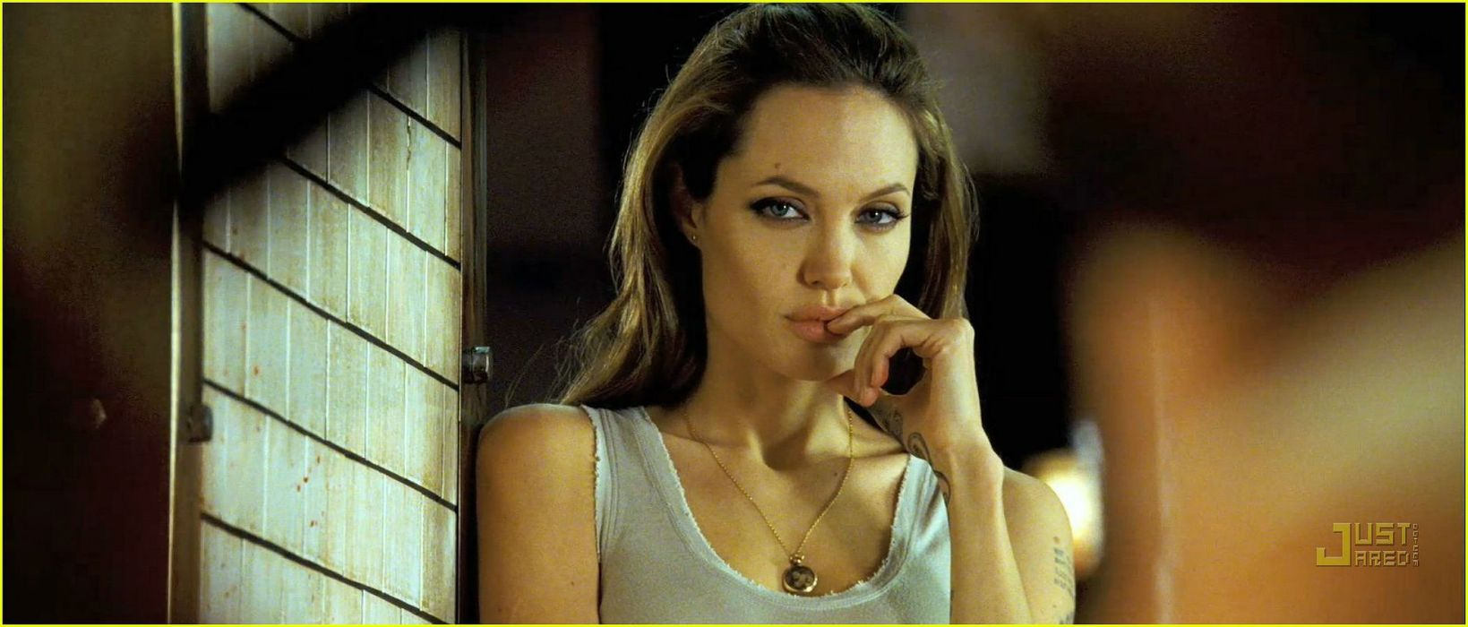 WANTED action crime fantasy sci-fi jolie (56) wallpaper