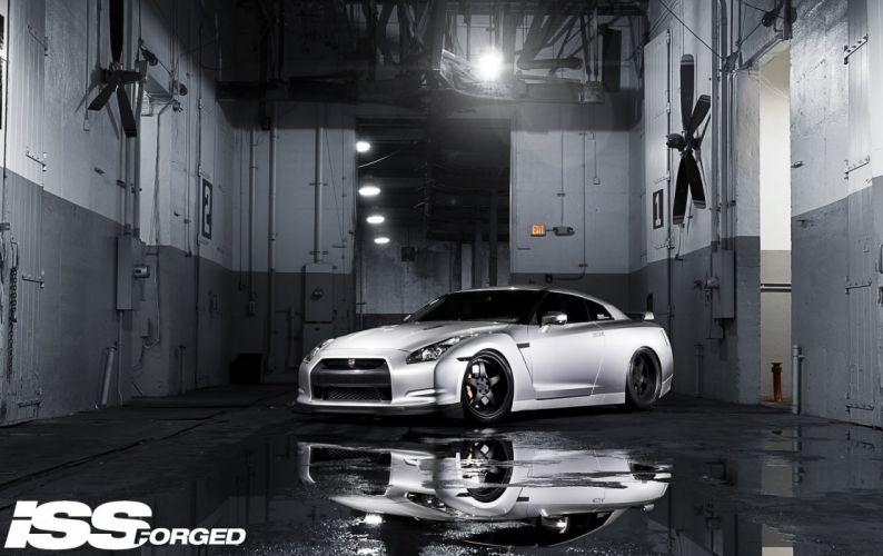 Nissan-GTR-R35 wallpaper
