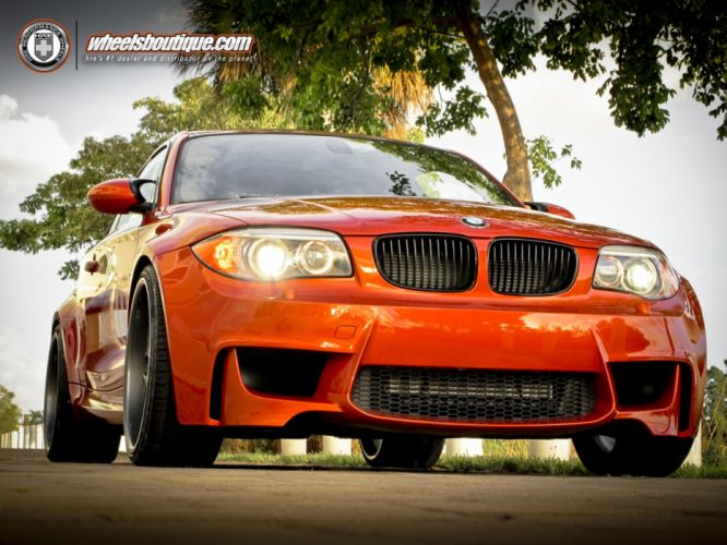 BMW-1M-COUPe wallpaper