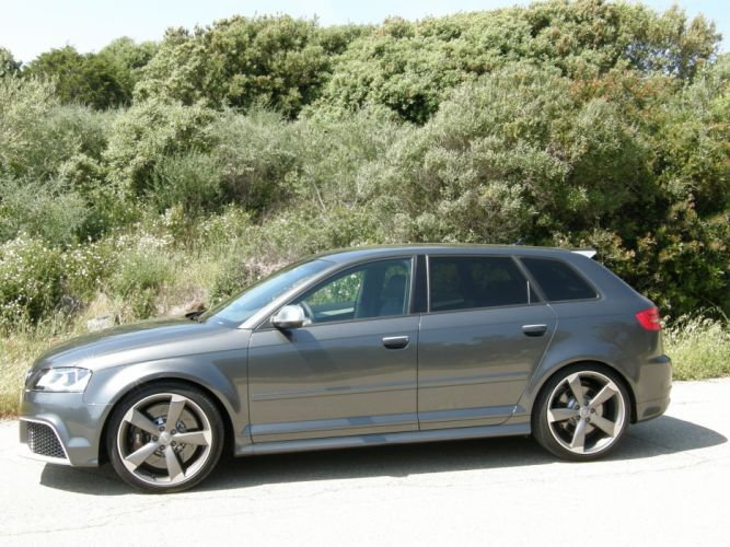 2011-Audi-RS3-Sportback wallpaper