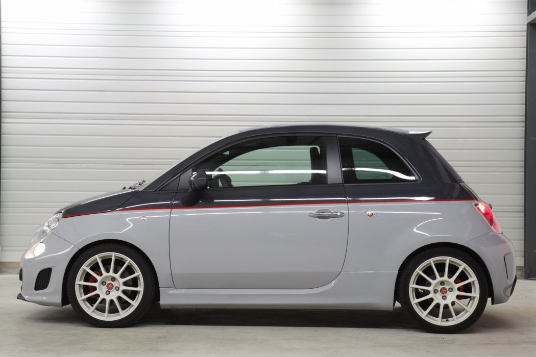 2011-Abarth-500-C-Esseesse wallpaper