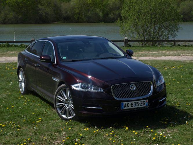 2010-Jaguar-XJ wallpaper