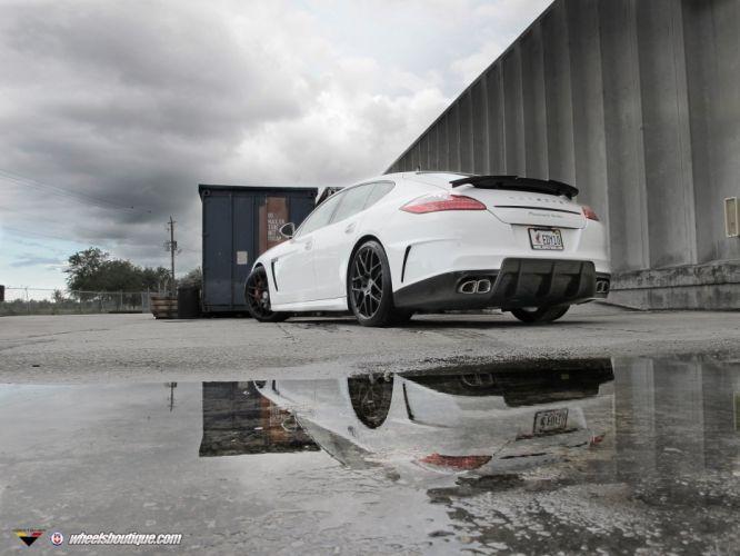 Porsche-Panamera-Turbo wallpaper