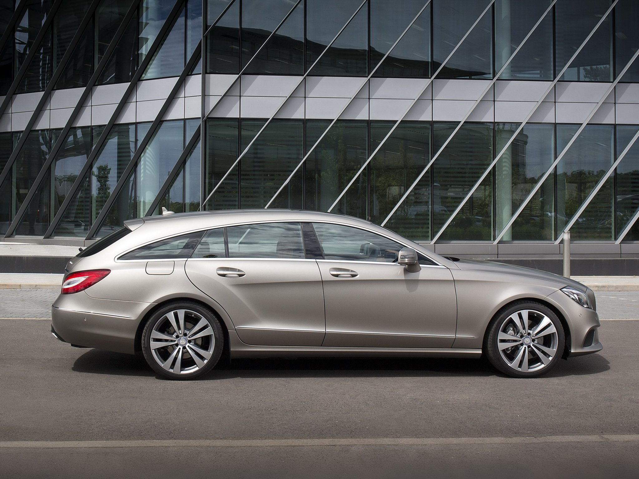 2014 mercedes benz cls 350 bluetec shooting brake x218 stationwagon. Cars Review. Best American Auto & Cars Review