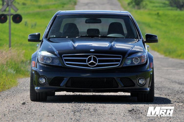 Mercedes-C63-AMG-tuning wallpaper