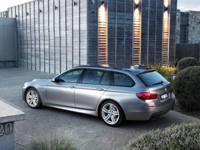 BMW-5-Series-535i-Touring-M-Sport-Package wallpaper