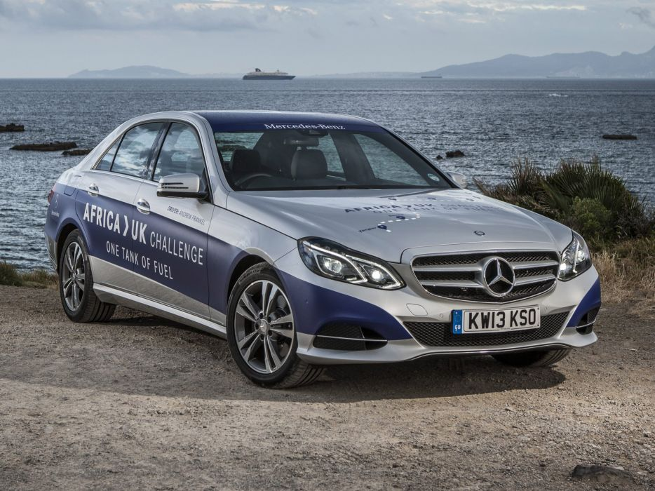Mercedes-E-Klasse-E300-BlueTec-Hybrid wallpaper