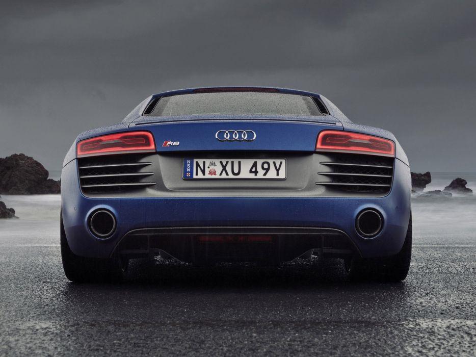 Audi-R8-V10 wallpaper