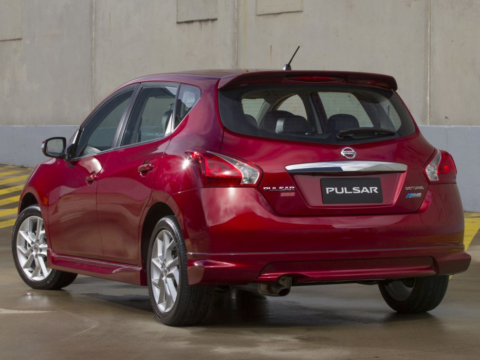 Nissan-Pulsar-SSS-2013 wallpaper