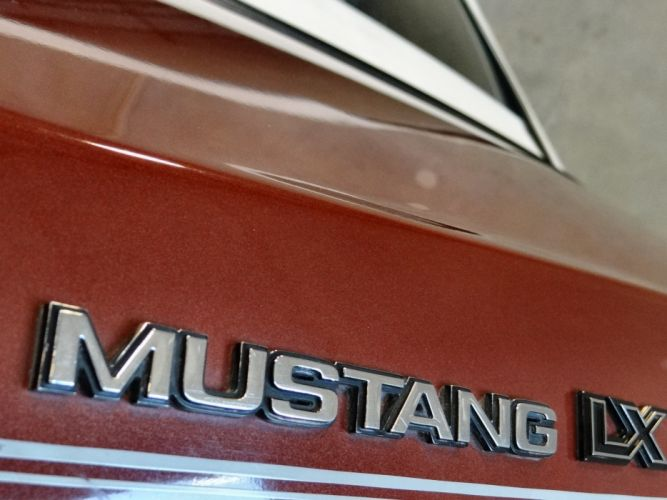 1984 Ford Mustang GLX (4) wallpaper