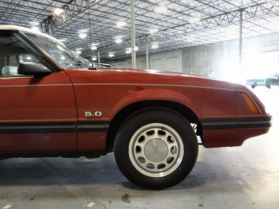 1984 Ford Mustang GLX (23) wallpaper