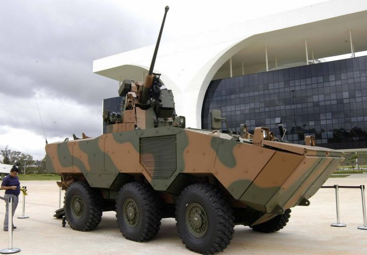 Vehicle Military Army Combat Armored Iveco Guarani Brazil (5) wallpaper