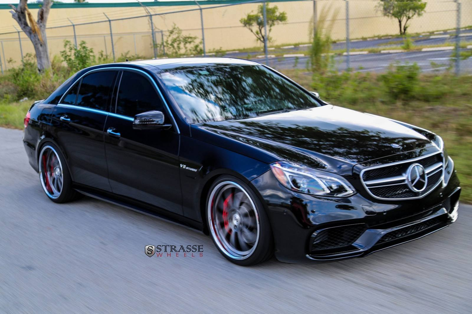 2014 amg benz e63 mercedes tuning strasse wheels wallpaper 1600x1066 390023 wallpaperup. Black Bedroom Furniture Sets. Home Design Ideas