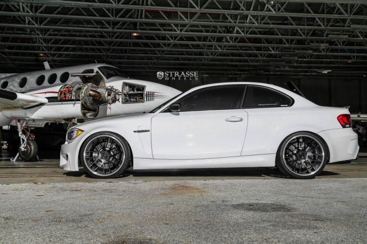 BMW 1M coupA wallpaper