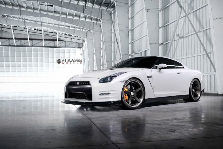 GTR Nissan strasse Tuning wheels white wallpaper