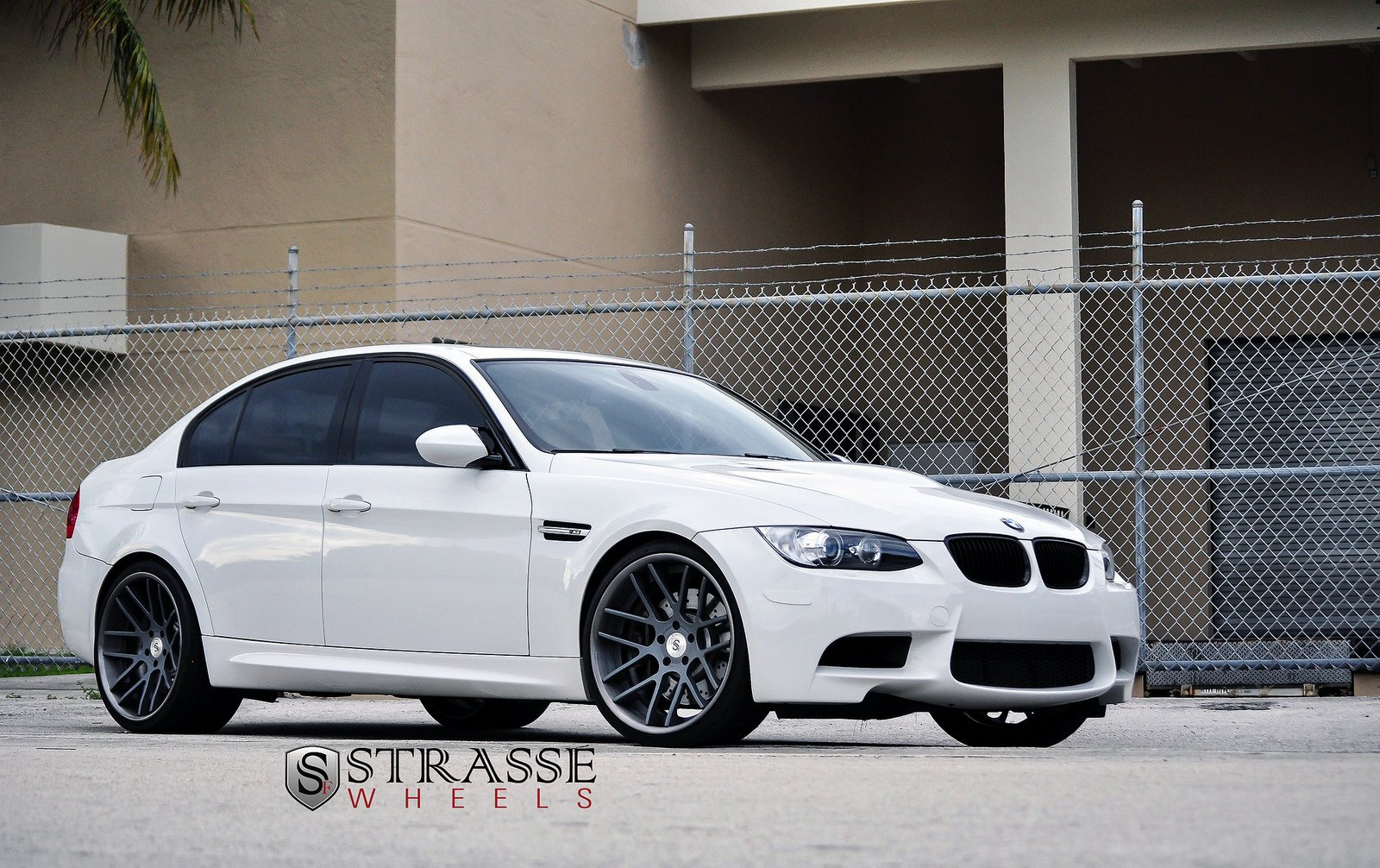 bmw e90 strasse tuning wheels m3 white wallpaper 1600x1006 391206 wallpaperup. Black Bedroom Furniture Sets. Home Design Ideas