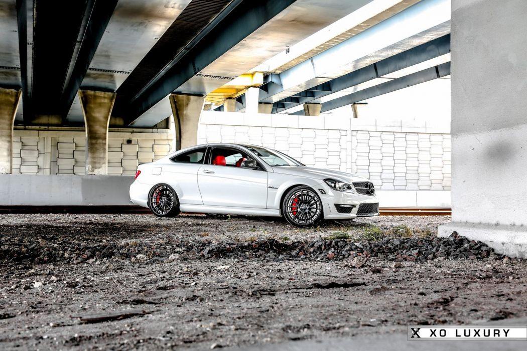 amg c63 Coupe white Mercedes Tuning wallpaper