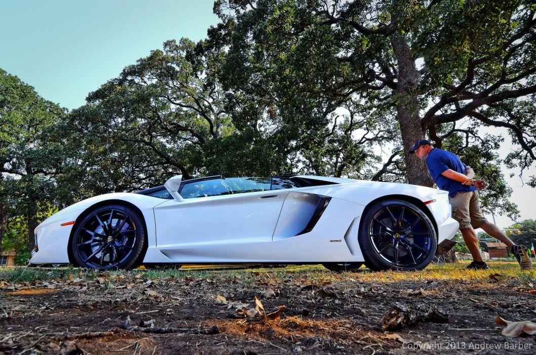 Lamborghini Aventador LP700-4 Roadster white blanche italian supercars wallpaper