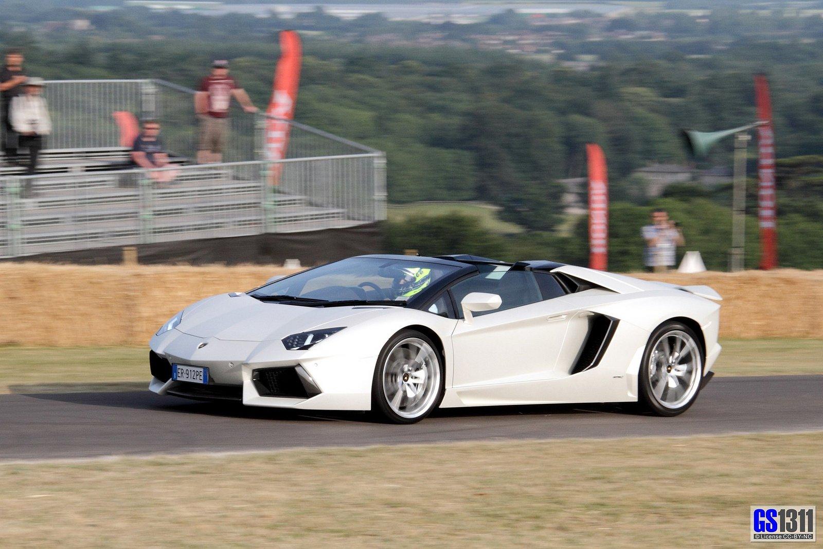 lamborghini aventador lp700 4 roadster white blanche italian supercars wallpaper 1600x1067 394190 wallpaperup - Lamborghini Aventador Roadster White