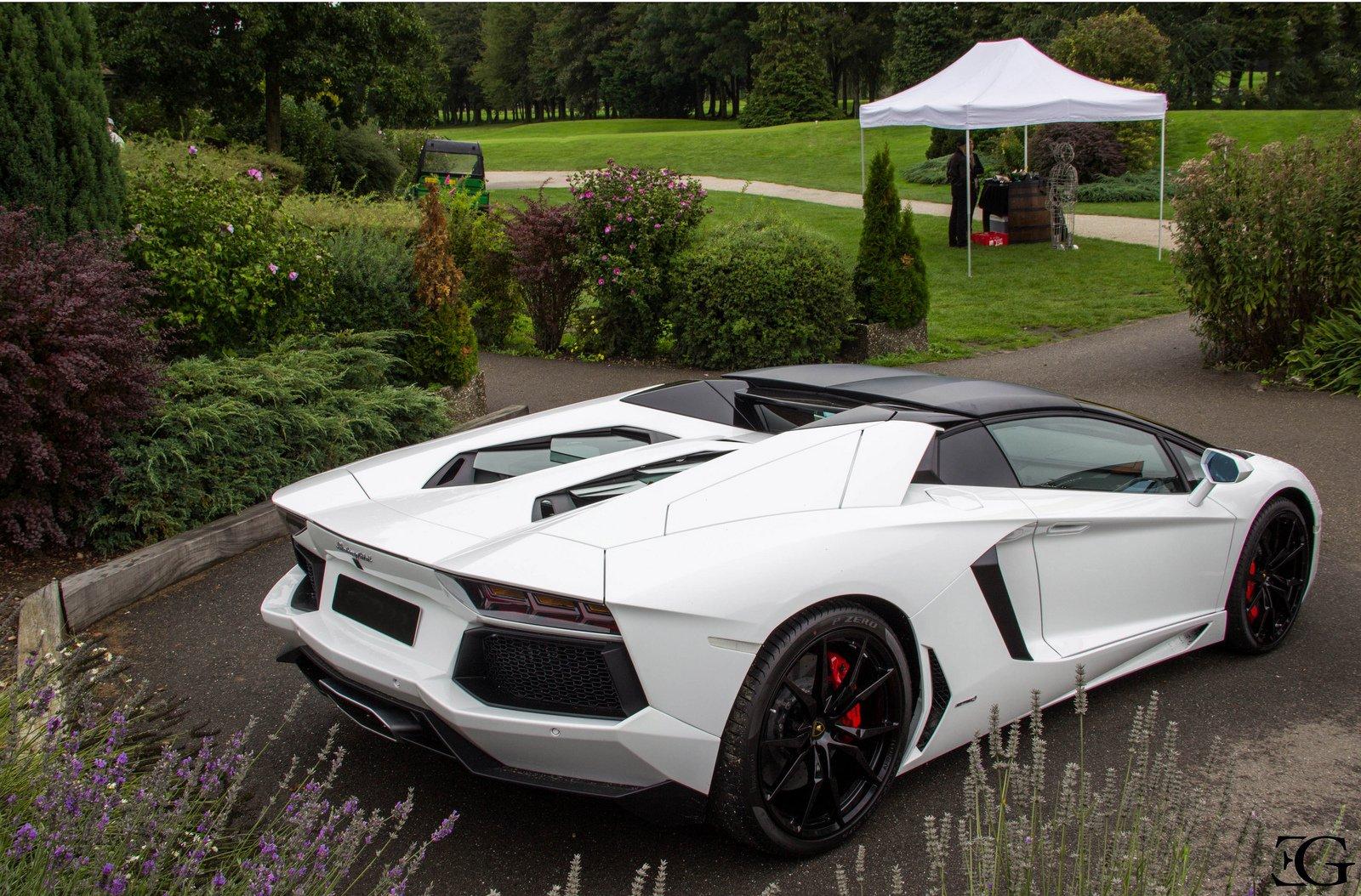 Lamborghini Aventador LP700-4 Roadster white blanche ...
