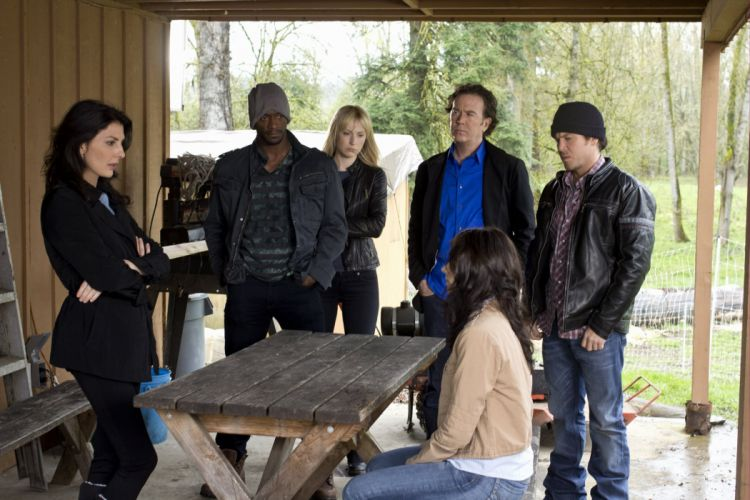 LEVERAGE action crime mystery series (13) wallpaper
