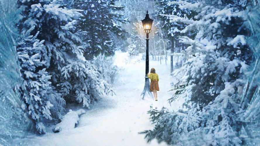 Lucy in Narnia wallpaper