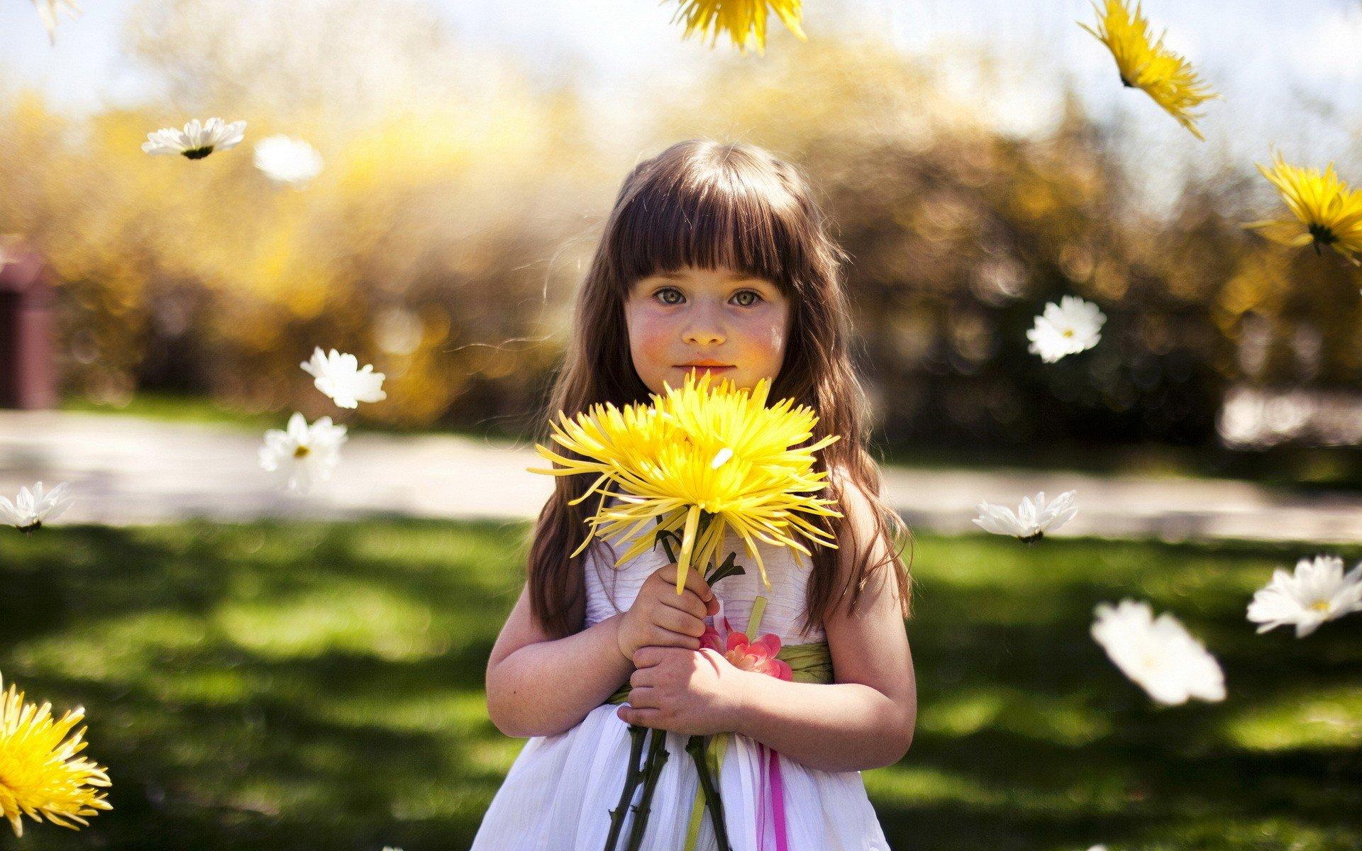 Cute Flowers Spring Child Children Bokeh Wallpaper 1920x1200