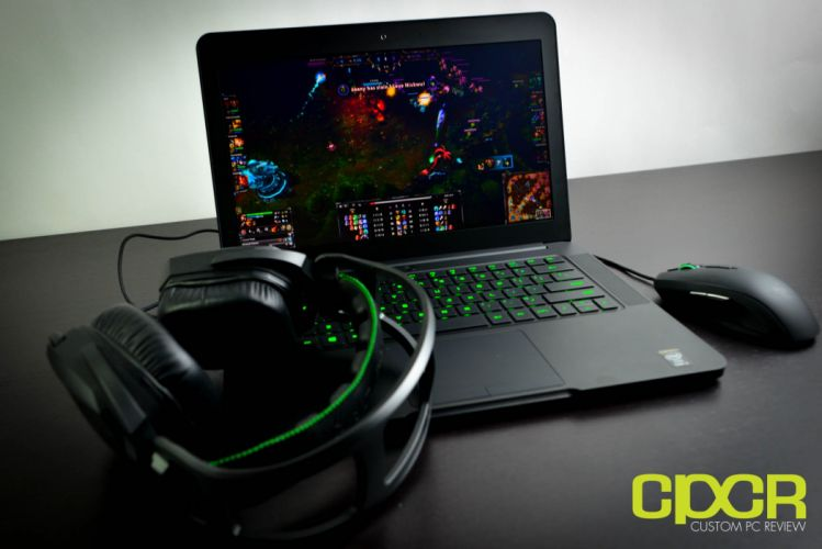 RAZER BLADE GAMING LAPTOP game computer (9) wallpaper